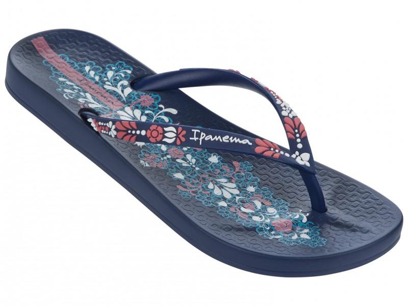 Zehentrenner mit Fußbett von Ipanema in blau mit pinken und weißen Verzierungen